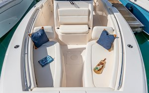 Grady-White Canyon 306 30-foot center console bow overall