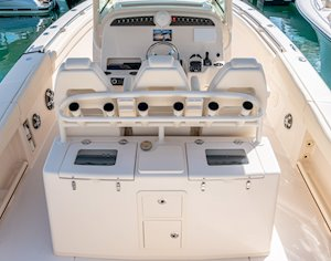 Grady-White Canyon 336 33-foot center console lean bar