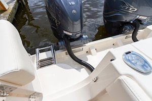 Grady-White Canyon 336 33-foot center console outboard mounting