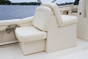 Grady-White Freedom 235 23-foot dual console port lounge seat