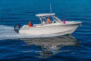 Grady-White Freedom 275 27-foot dual console boat starboard side running