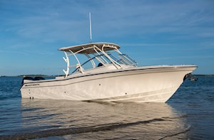 Grady-White Freedom 275 27-foot dual console boat starboard side