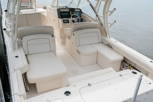 Grady-White Freedom 325 32-foot dual console fishing boat cockpit seating