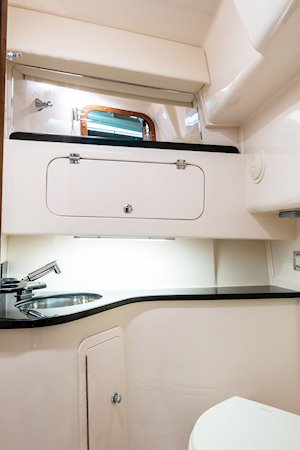 Grady-White Boats Express 330 33-foot Express Cabin Boat head