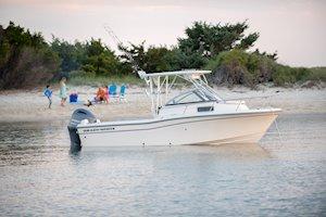Grady-White Boats Adventure 208 20-foot Walkaround Cabin picnic
