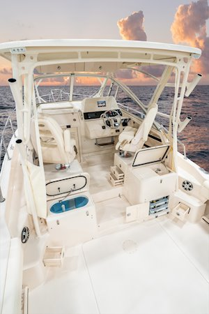 Grady-White Marlin 300 30-foot walkaround cabin boat cockpit forward