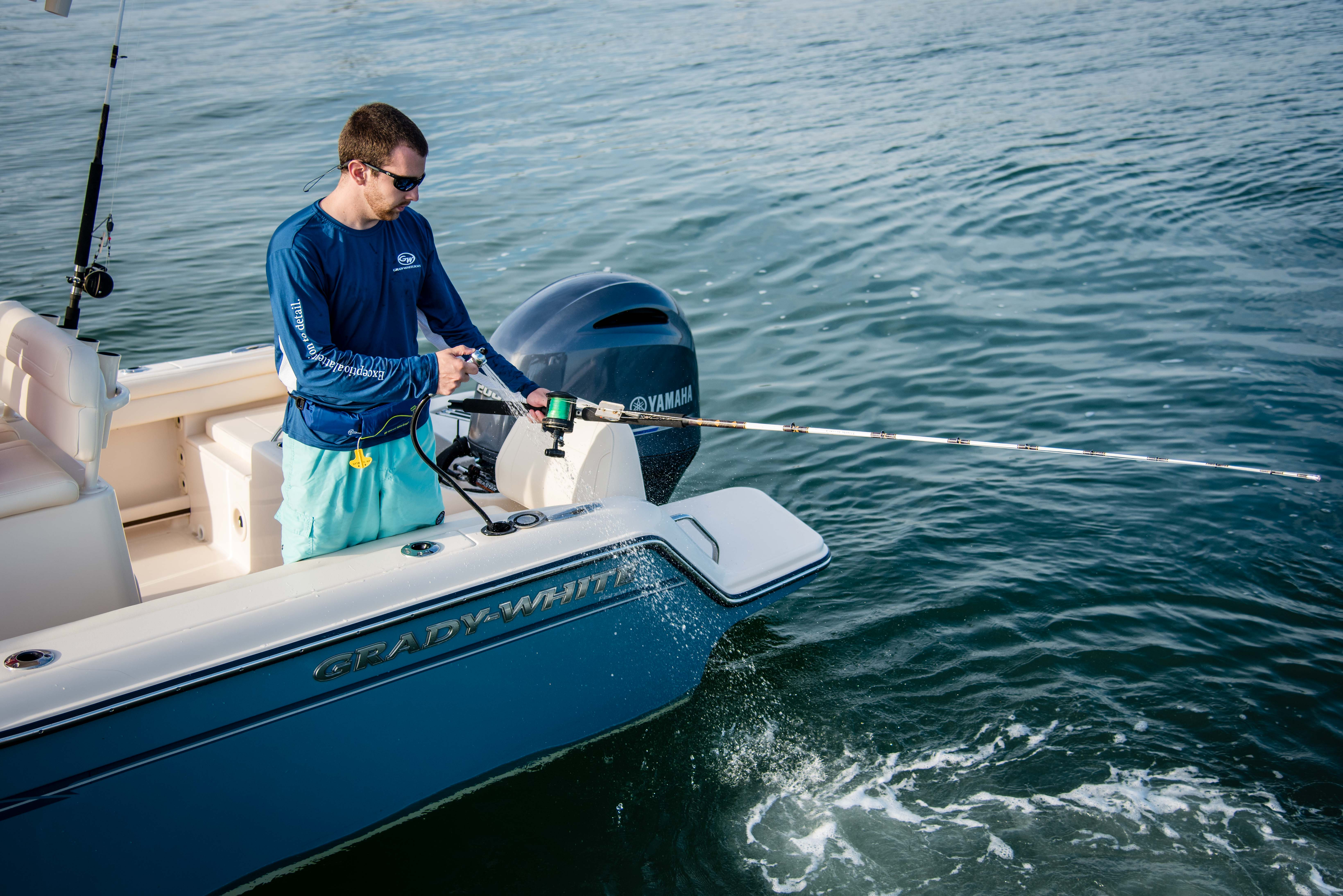 A fresh water washdown on the Fisherman 216 makes it easy to clean rods and reels.