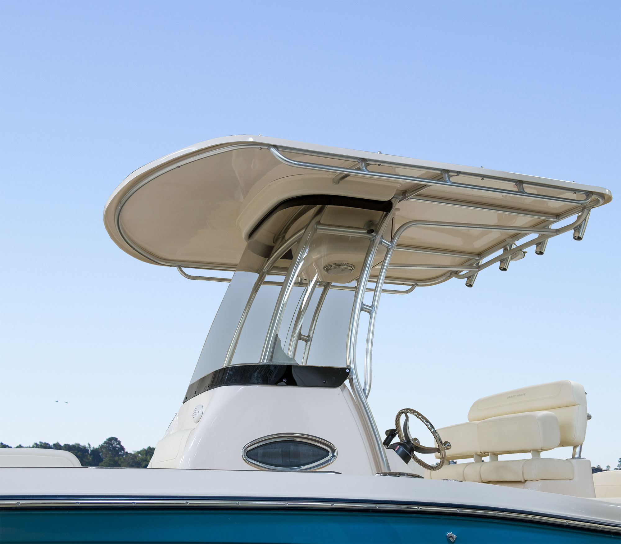 The Fisherman 216 offers an optional T-top.