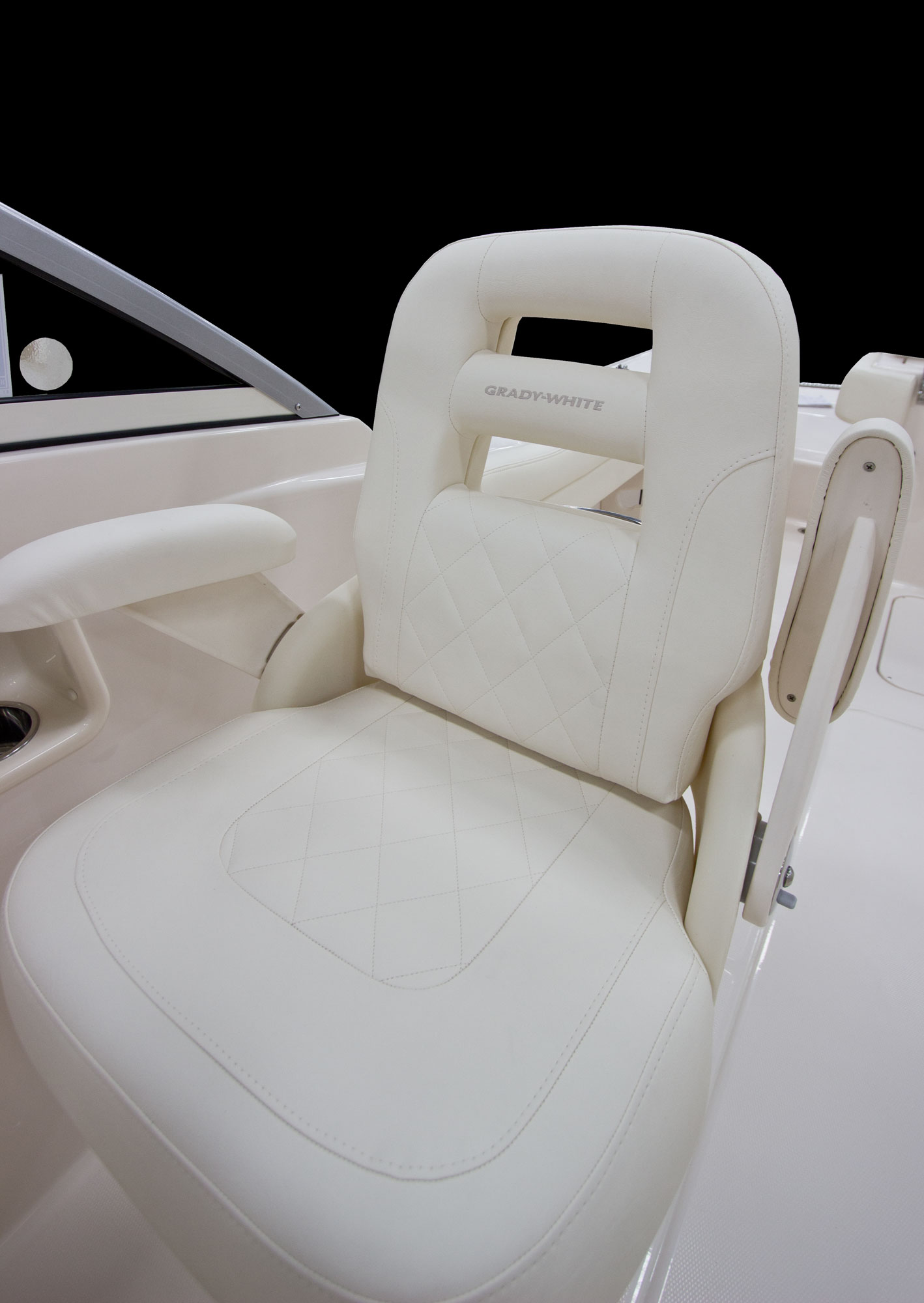 Grady-White Freedom 255 25-foot dual console deluxe seating