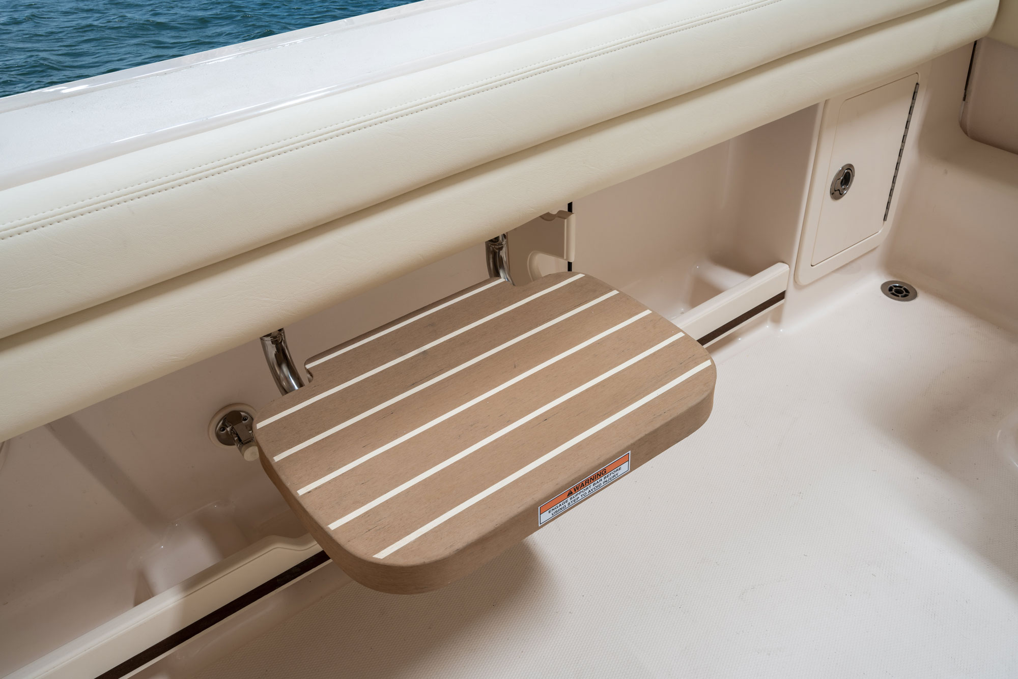 Grady-White Freedom 235 23-foot dual console cockpit step