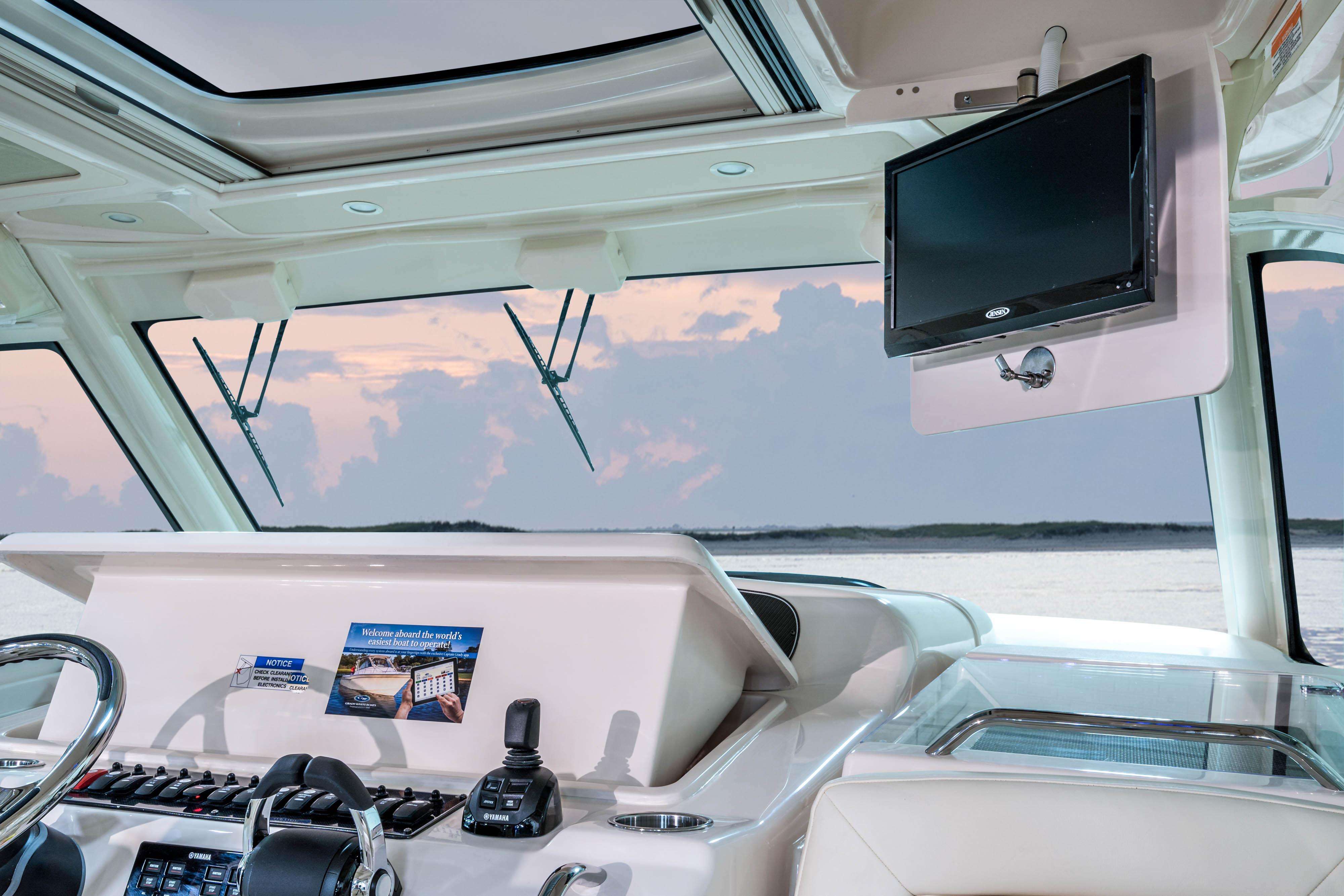 Grady-White Express 370, 37-foot express cabin hardtop fold-down 19-inch LED flat screen