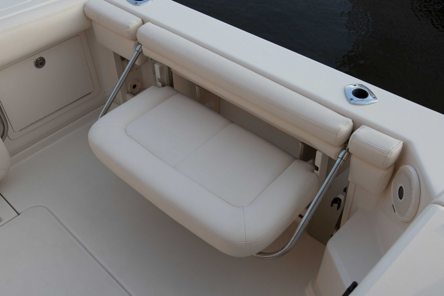 Express 330 Grady White 33 Foot Express Cabin Port Side Mount Cockpit Bench Seat