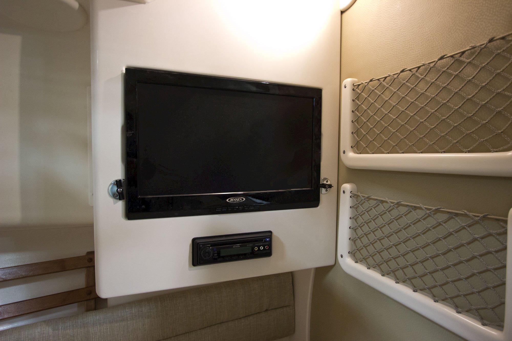 Grady-White Marlin 300 30 foot Walkaround Cabin Boat Flatscreen TV