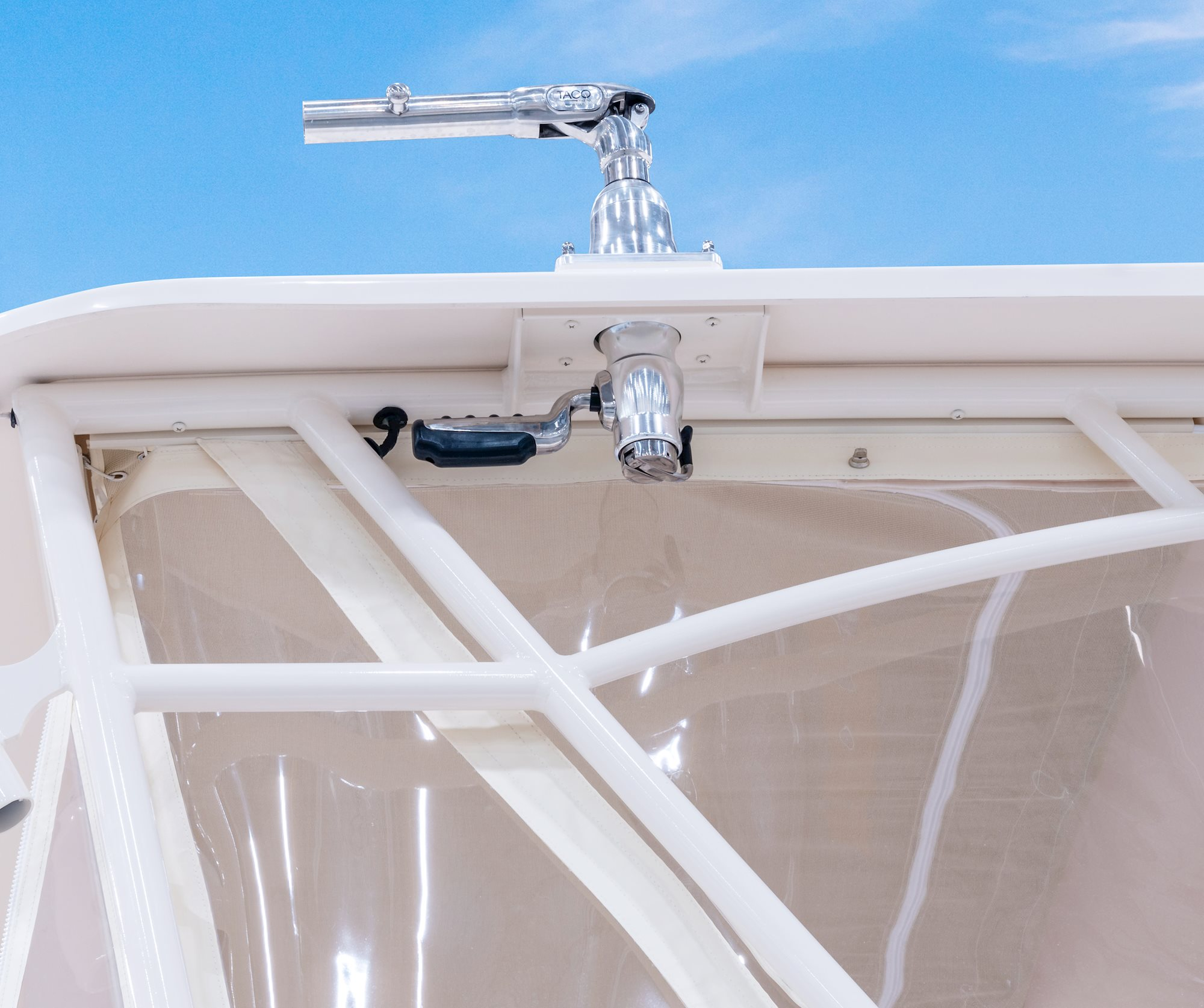 Grady-White Marlin 300 30 foot Walkaround Cabin Boat Outriggers