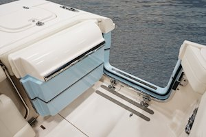 Grady-White Freedom 285 28-foot dual console with standard port side door