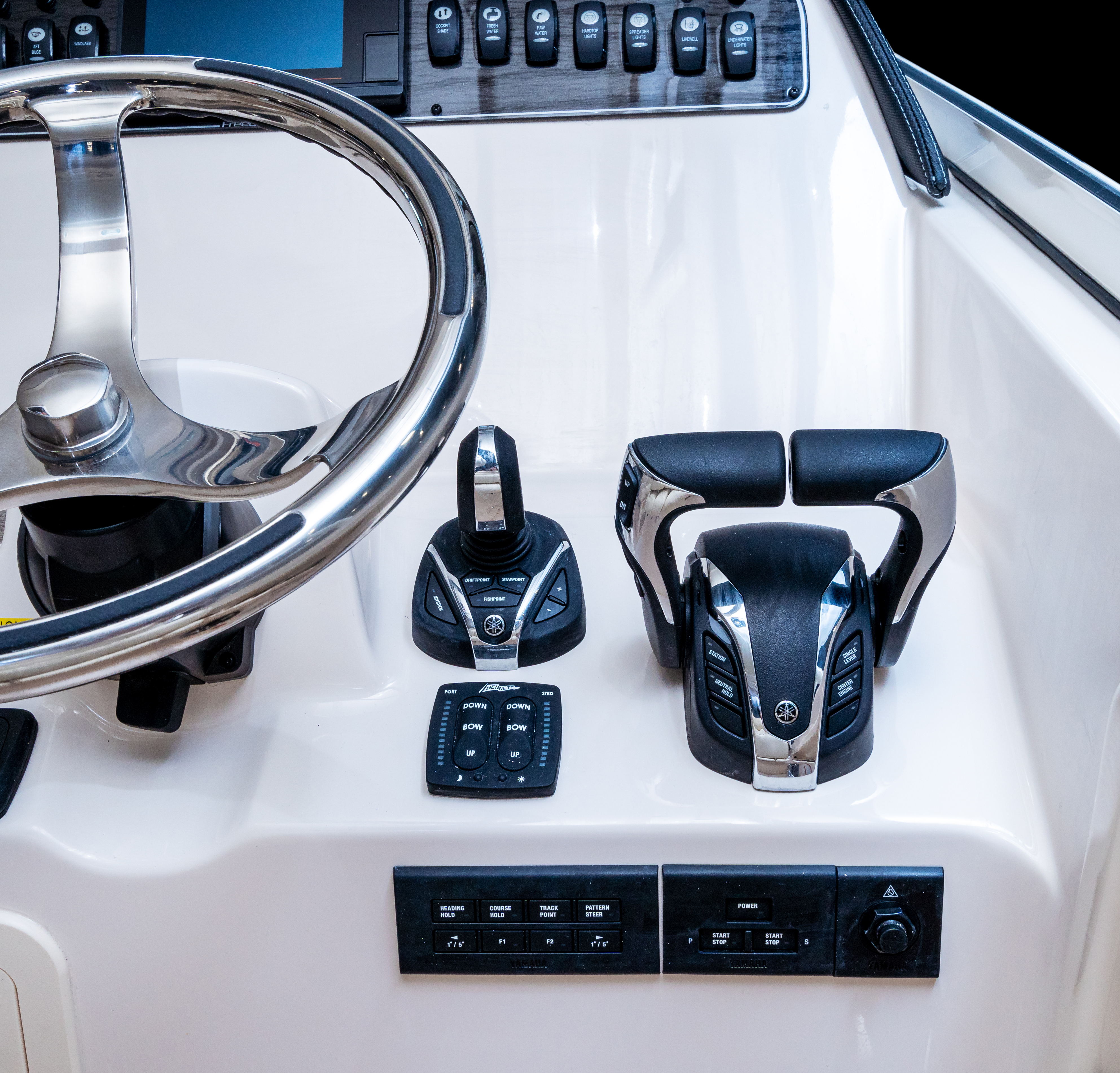 Grady-White Freedom 307 30-foot dual console with Yamaha Helm Master Full Maneuverability