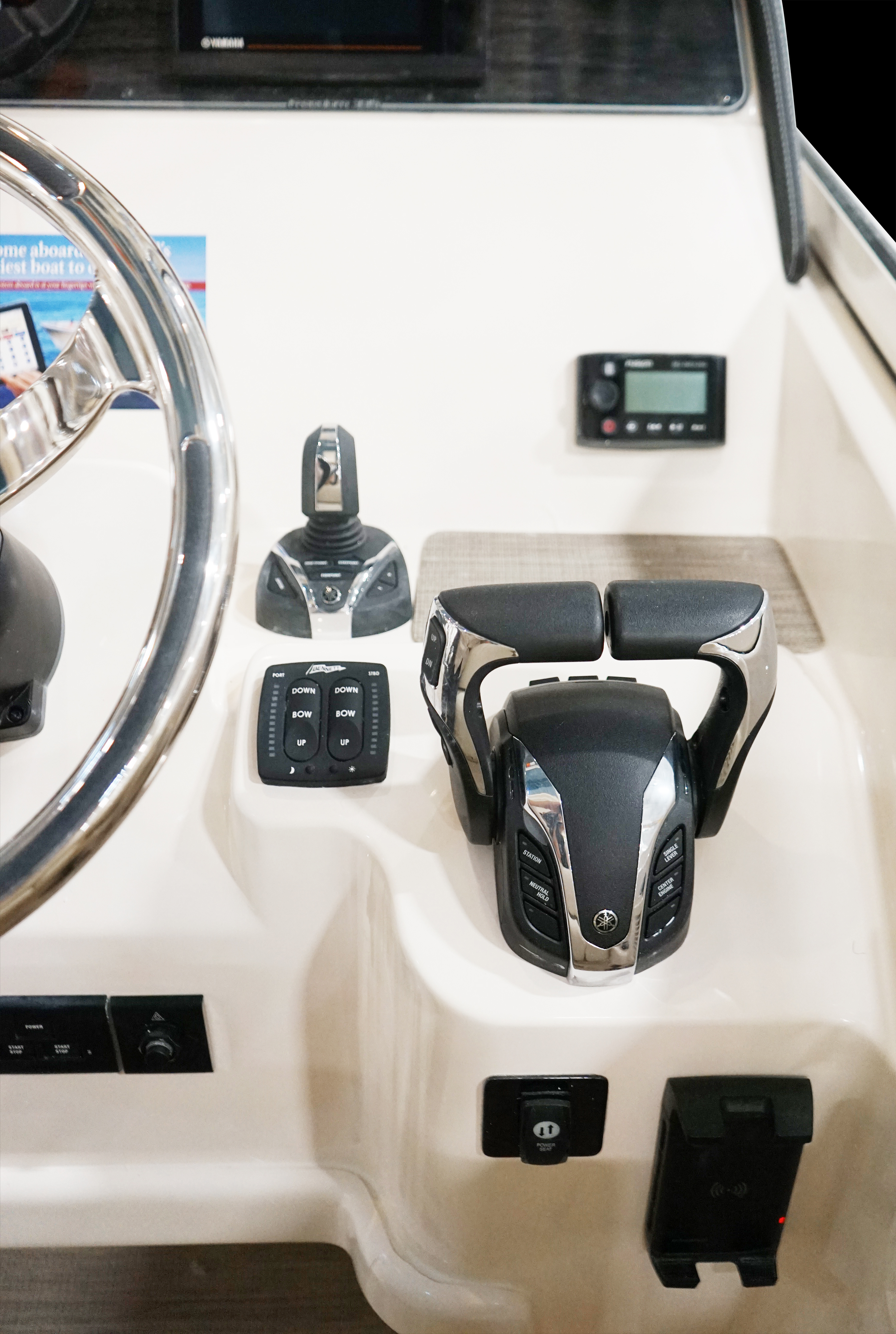 Grady-White Freedom 335, 33-foot dual console with Yamaha Helm Master Full Maneuverability with phone charger