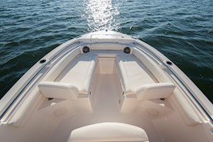 Grady-White Fisherman 216 21-foot center console bow seating